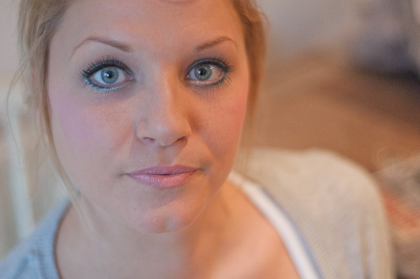 blonde hair makeup tutorial